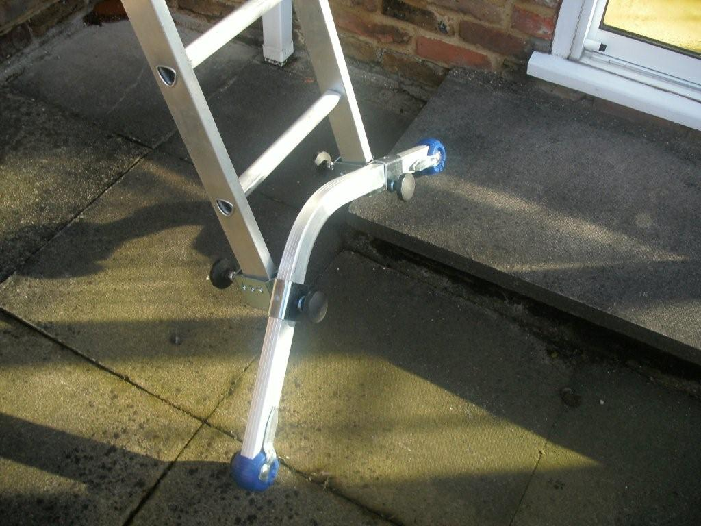 Difference Betwen Scafolding Amp Shuttering : Ladder leveler for uneven soft ground
